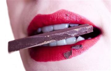 Malos hábitos que manchan tus dientes