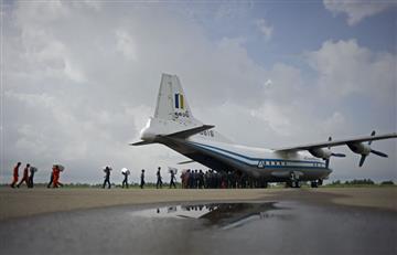 Hallan restos de avión militar birmano desaparecido con 106 personas abordo