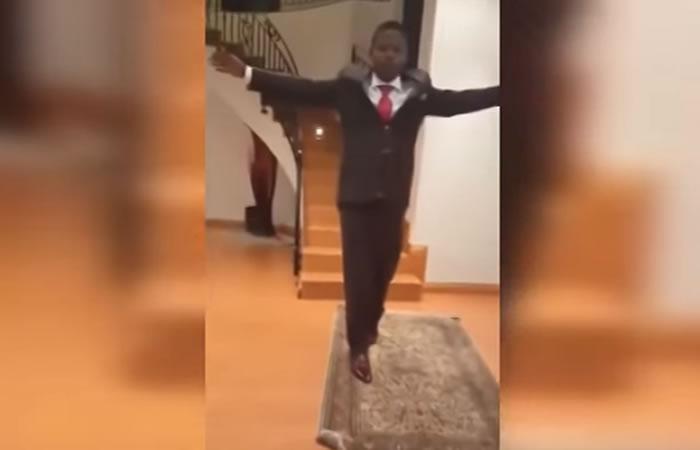 Pastor que levita es desenmascarado