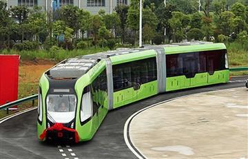 China presenta sorprendente autobús que no necesita conductor