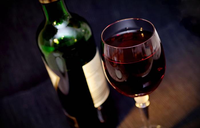¿Cómo preparar vino caliente?