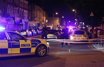 Londres: Vehículo arrolla a varios peatones delante de una mezquita