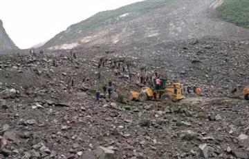 En China una aldea quedó sepultada por deslizamiento de tierra