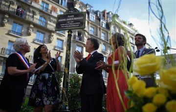 Inauguran plaza en París que lleva el nombre de Gabo