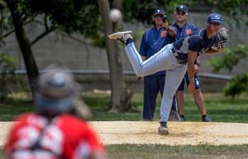 A niño le operan pierna equivocada y ya no puede ser beisbolista