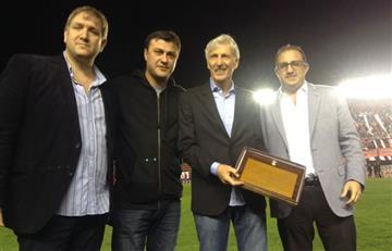 José Pékerman fue homenajeado en Argentina