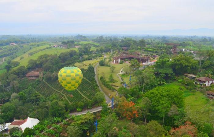 ¿Cómo volar en globo en Colombia?