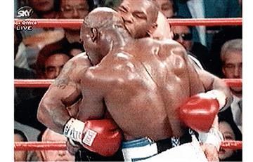 Mike Tyson y su famoso mordisco cumplen 20 años