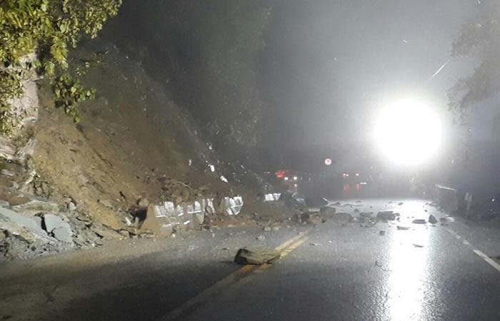 Cierre total en vía Bogotá Villavicencio por cuenta de un derrumbe