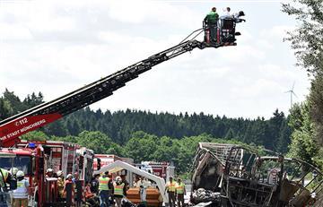 Alemania: Al menos 11 muertos en accidente de autobús