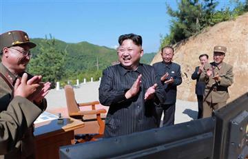 """Kim Jong-Un: El misil fue un """"regalo"""" para los """"bastardos estadounidenses"""""""