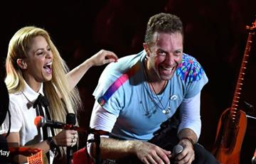 Chris Martin y Shakira cantan 'Chantaje'