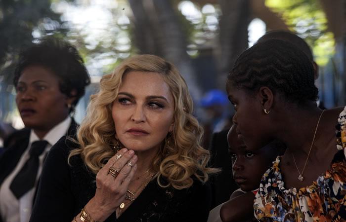 Madonna hace presencia en la inauguración de hospital infantil en Malaui. Foto: AFP