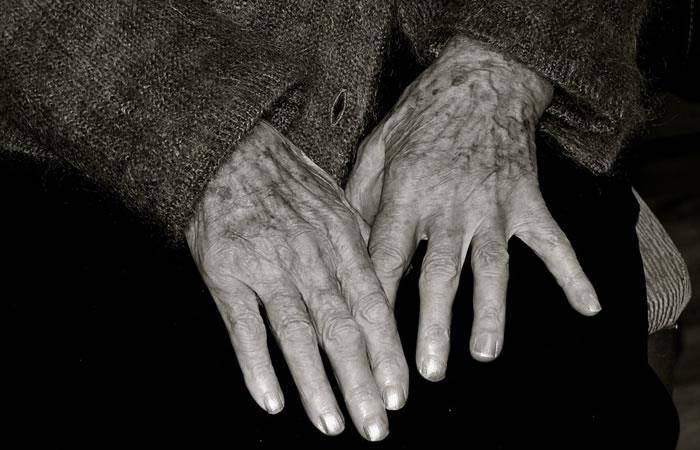 Mujer de 100 años revela el secreto de la longevidad