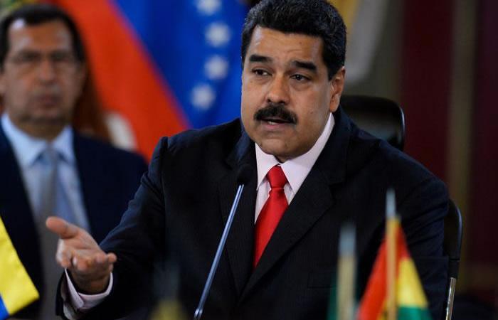 Maduro pide a los opositores que realicen su plebiscito
