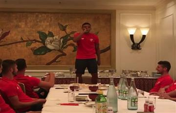 Muriel al son de Nicky Jam con sus compañeros del Sevilla