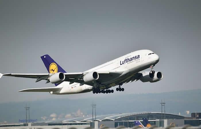 Nació un bebé en vuelo Bogotá-Frankfurt
