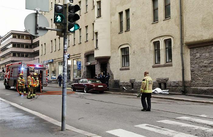 En Helsinki una multitud fue arrollada por un automóvil