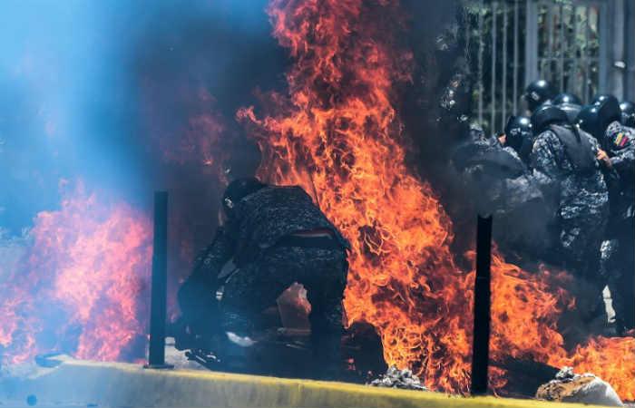 Venezuela: Explosión de artefacto deja al menos cuatro militares heridos