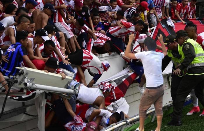 Junior vs Nacional: Trece heridos dejó la caída de una baranda en una tribuna