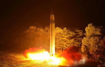 Corea del Norte capaz de colocar bomba nuclear en sus misiles
