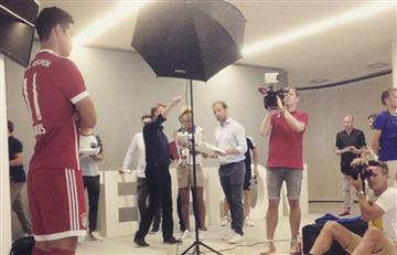 James Rodríguez: Detrás de cámaras de su foto oficial con el Bayern Múnich