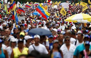 Venezuela: 18 detenidos, militares y civiles, por asalto a fuerte militar