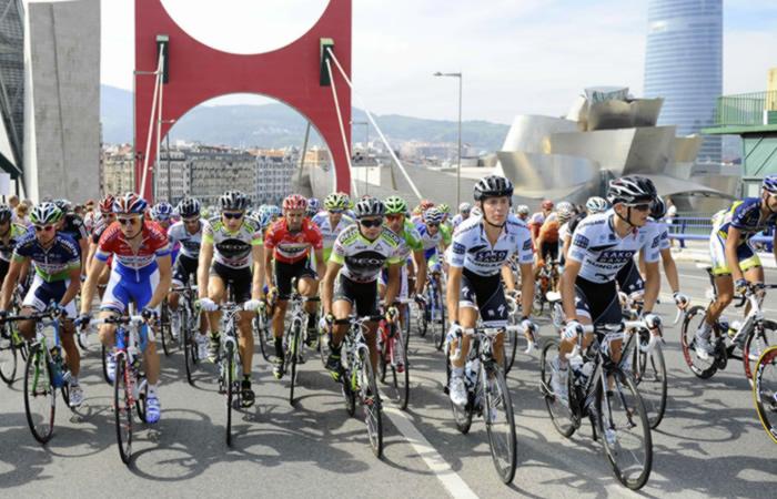Vuelta a España guardará minuto de silencio por atentado en Barcelona