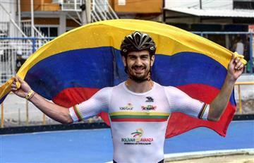 Andrés Felipe Muñoz abanderado de la Seleccion Colombia de patinaje