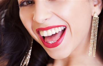 Cuatro tips para eliminar el sarro de los dientes