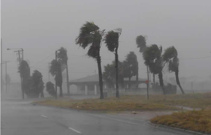 Harvey: Ordenan evacuación al sur de Houston