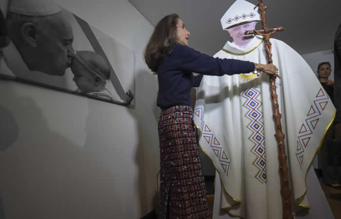 Papa Francisco usará báculo hecho de café