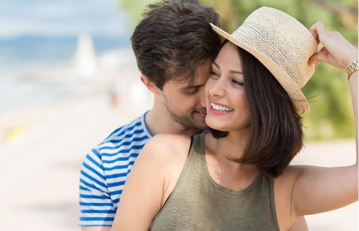 Seis pensamientos irracionales que tiene tu novio sobre ti