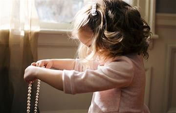 Bebé de 9 meses se intoxicó con el plomo de una 'pulsera homeopática'