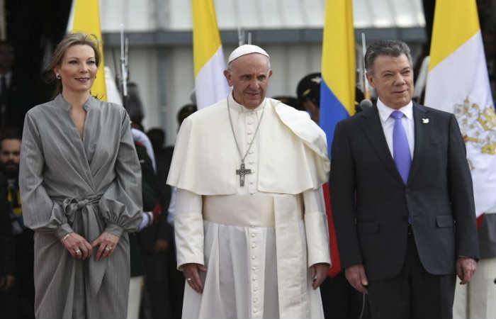 Santos: El papa Francisco 'viene a darnos ese empujón hacia la reconciliación'
