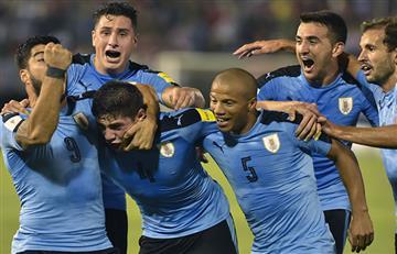 Uruguay se impuso ante un Paraguay que aún sueña con el Mundial