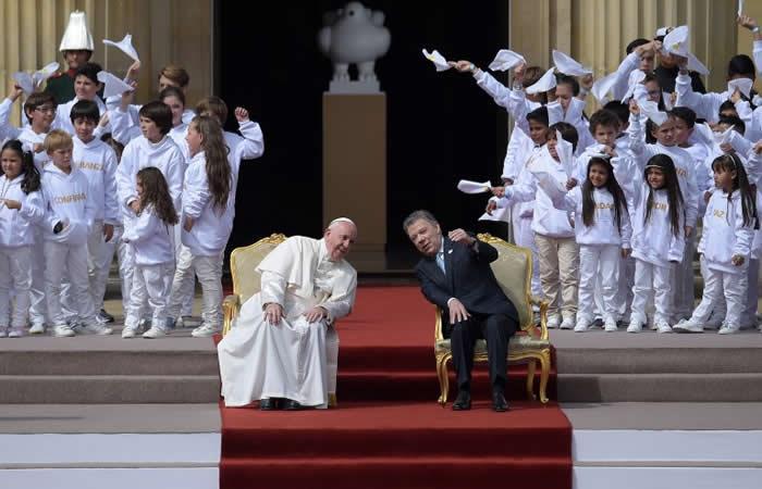 Papa Francisco pide a Colombia a 'huir de toda tentación de venganza'