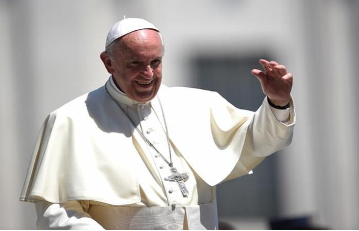 Papa Francisco reza las Letanías frente al cuadro de la Virgen de Chiquinquirá