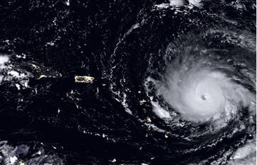 México espera paso de huracán Katia tras sufrir fuerte sismo