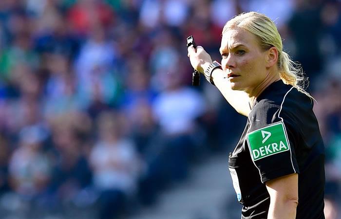 Bibiana Steinhaus primera mujer árbitro en dirigir un partido masculino