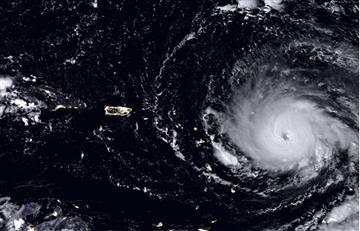 Huracán Irma impacta en Cayos de Florida como categoría 4