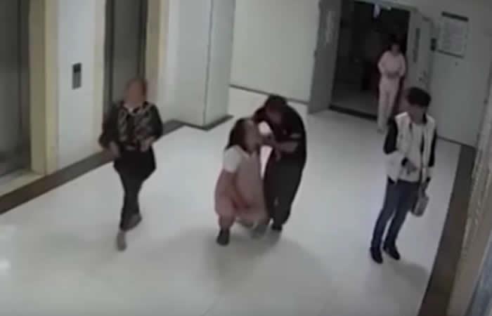 China: El suicidio de una mujer embarazada causa revuelo
