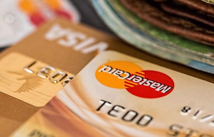 Prohíben a los bancos cobro de cartera en horarios no adecuados