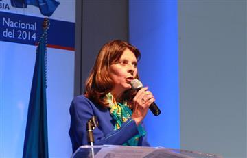 Martha Lucía Ramírez y Jairo Clopatofsky candidatos presidenciales por firmas