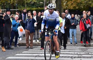 Ciclista batió récord al dar la vuelta al mundo en menos de 79 días