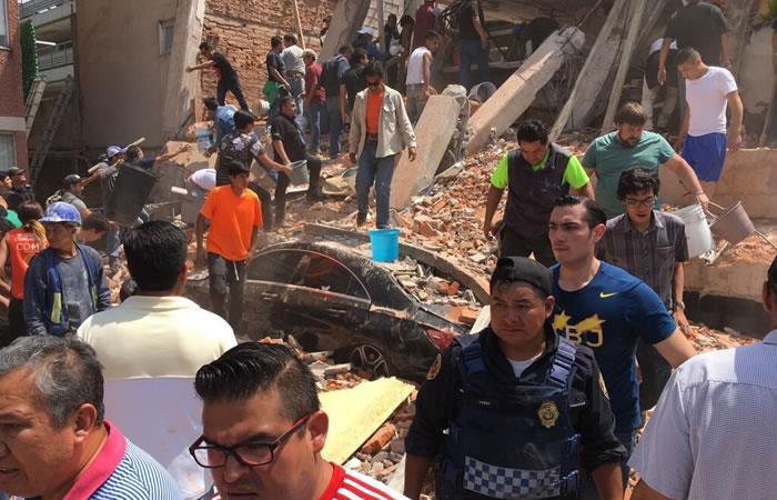 México: Fallecen 21 niños en una escuela derrumbada por el terremoto