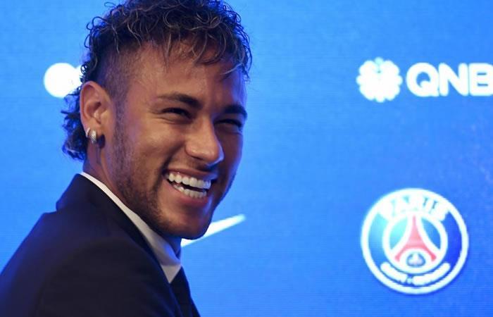 Neymar y la lujosa mansión en la que vive en Francia