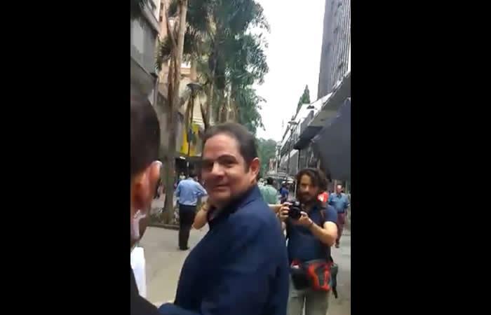 Ciudadano a Vargas Lleras: 'Usted es un enmermelado y un sinvergüenza'
