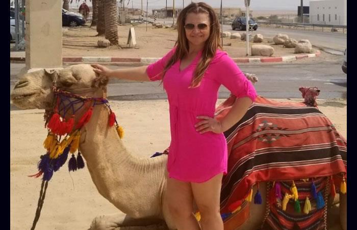 Diva Jessurum al natural en bikini en las playa de Israel