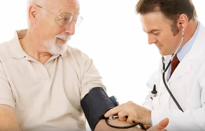 Salud de las mujeres y presión arterial alta